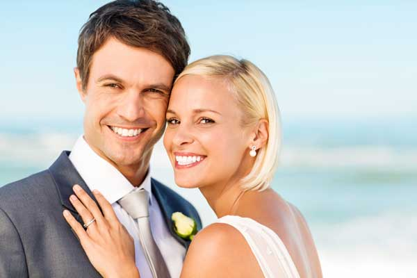 Make Your Smile Dazzling For Your Wedding